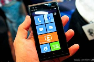 Nokia Lumia 900 Review – Microsoft blends with Nokia