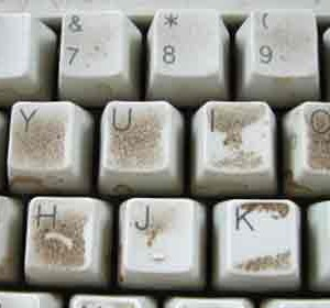 How-to-Deal-with-a-Dirty-Keyboard