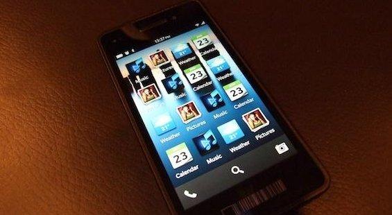 blackberry-10-crackberry-apps-tray